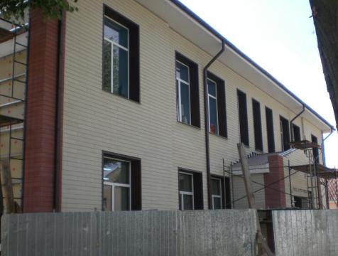 Фасад в Барановичах, бульвар Штоккерау 5а